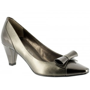 Bella Vita Entertain Ii Pewter at DesignerShoes.com