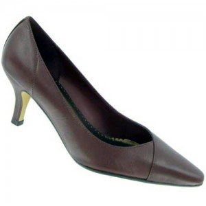 Classic career wear pump in sizes 4 to 12, width AAA to WW.